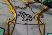 HERMESのカシミヤ×シルクの大判スカーフをお買取しました。