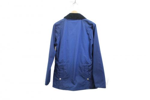 バブアーのオイルドジャケット