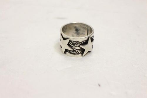 サンシャインリーブスのリング