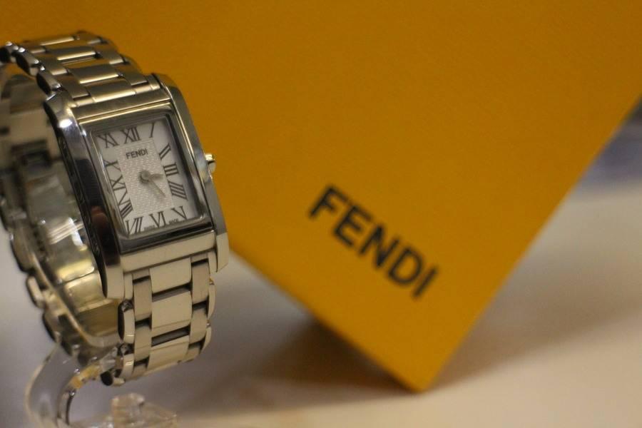 FENDI(フェンディ)から腕時計の入荷!【トレファクスタイル本八幡店】