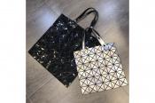 【BAO BAO ISSEY MIYAKE/バオバオ イッセイミヤケ 】より色違いのお鞄が2種買取入荷致しました!