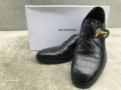 BALENCIAGA / バレンシアガ よりBlack Crocodile Gold Buckle Leather Monk Shoesのご紹介。