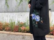 Y's / ワイズ 2018AWコレクションより牡丹刺繍のガウンコートをご紹介。