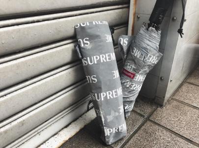 「ストリートブランドのSUPREME 」