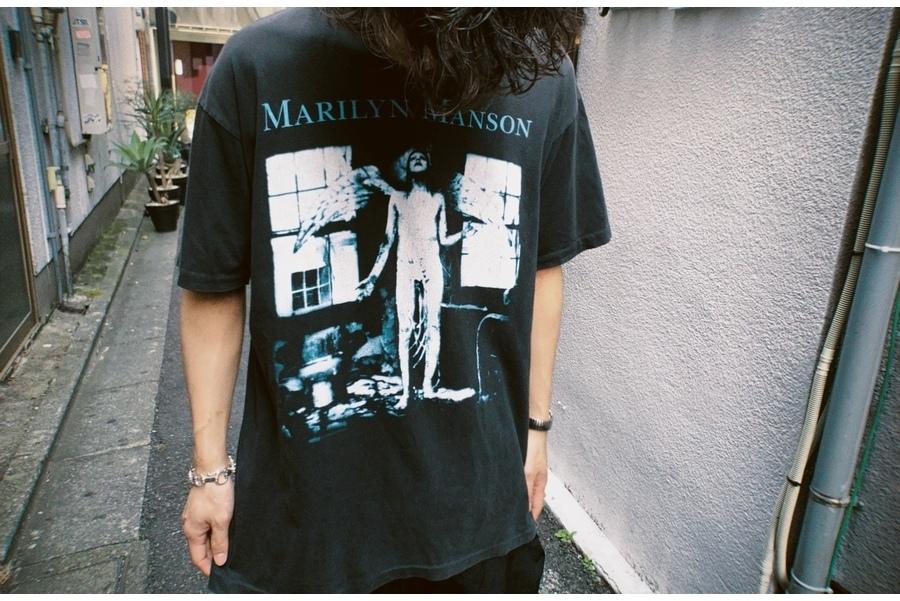 「ヴィンテージアイテムのMarilyn Manson 」