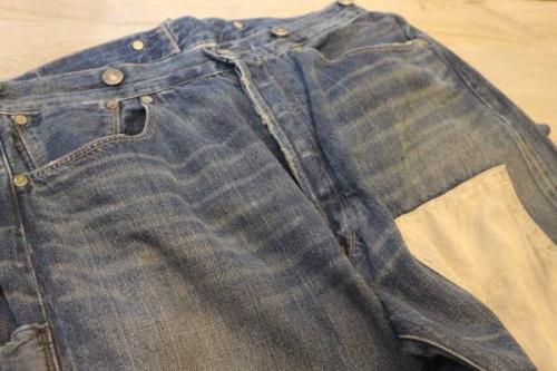 デニムパンツのデニムジャケット