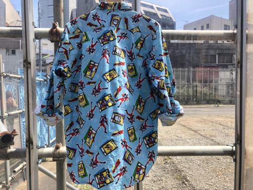 仮面ライダー 龍騎のシャツ