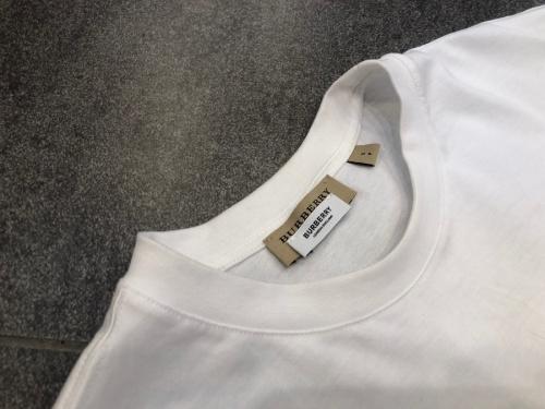 ロゴTシャツのメンズ