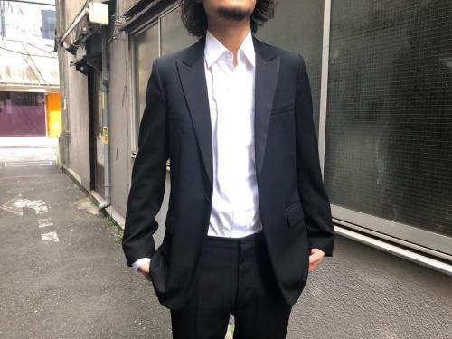 ディオールオムのスモーキングセットアップスーツ