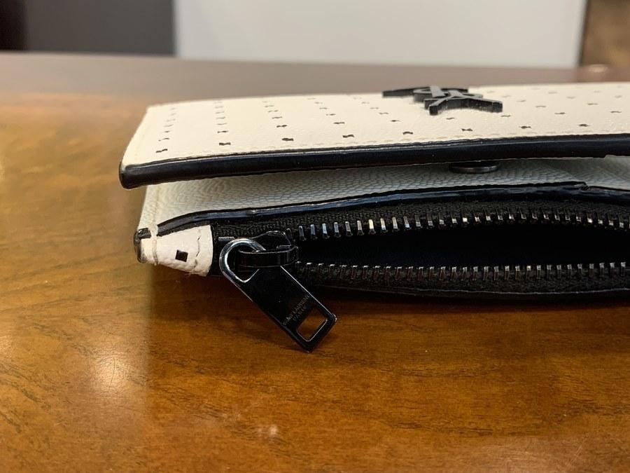 サンローランパリの2つ折り財布
