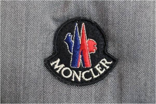 「モンクレールのカナダグース 」