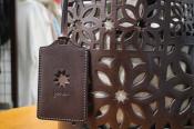 【genten/ゲンテン】切り取られた模様が印象的マルチカットワークハンドバッグご紹介