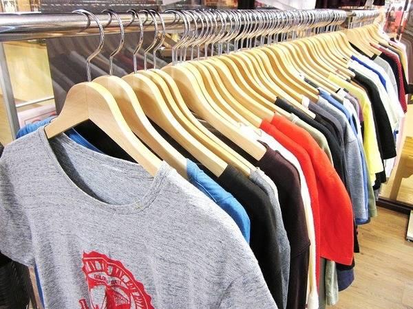 「Tシャツのサニースポーツ 」