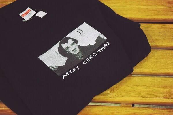 「SUPREMEのTシャツ 」