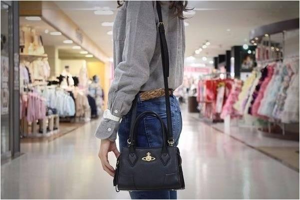 「Vivienne Westwoodのショルダーバッグ 」