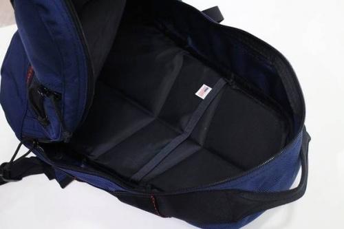 ブリーフィングのバックパック