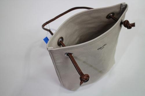 オーシバルのバッグ