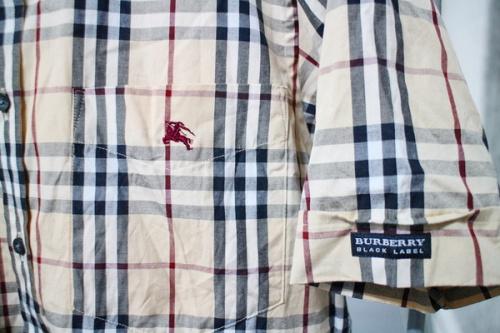 バーバリーブラックレーベルの半袖シャツ ジップシャツ