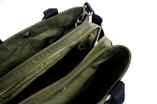 ジルサンダンネイビーの2WAYバッグ