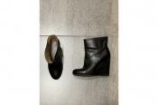 〈Maison Martin Margiela/メゾンマルタンマルジェラ〉のブーツが入荷いたしました。