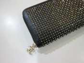 【CHANEL】(シャネル)のラウンドファスナー財布のご紹介です!