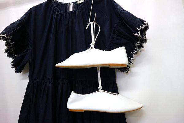 「キャリアファッションのULLA JOHNSON 」