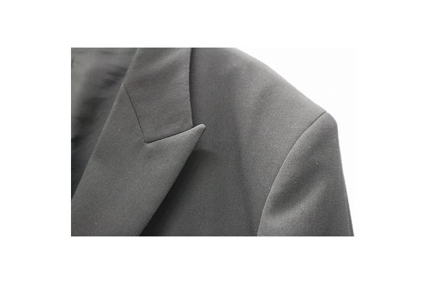 レギュレーション ヨウジヤマモトのピークドラペルジャケット