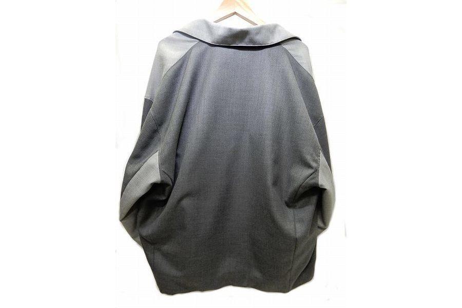 ジャケットのオーバーサイズ