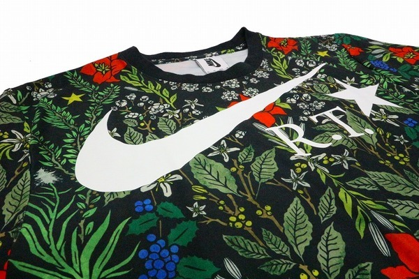 Floral Drifit TeeのTシャツ