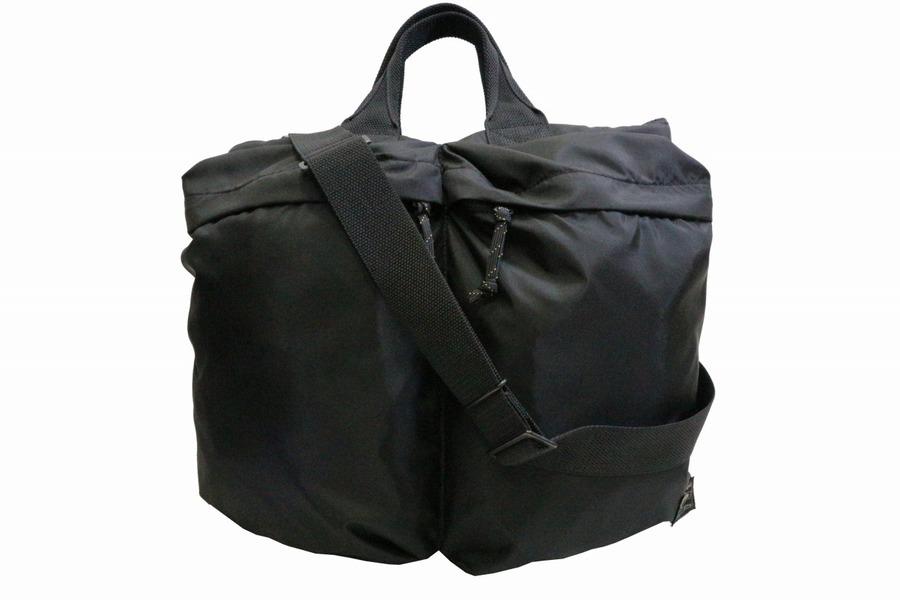 バッグのポーチ