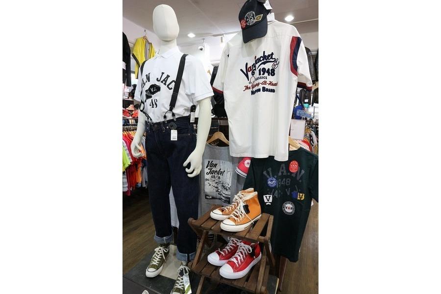 【VAN/ヴァン】Tシャツや夏に使えるアイテム続々入荷中!!