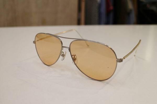 「アヤメのサングラス 」