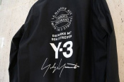 Y-3より話題の15周年記念ロゴデザインが2ピース入荷しました!