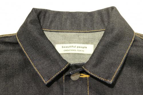 デニムジャケットのジャケット
