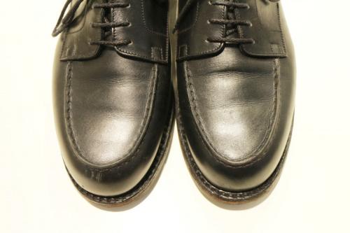 レザーシューズの革靴