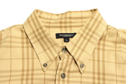 シャツのチェックシャツ