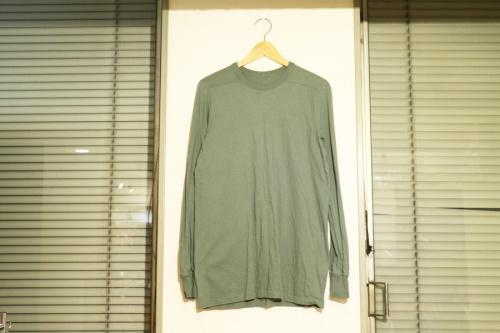 カットソーのTシャツ