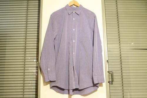 シャツのデニムパンツ