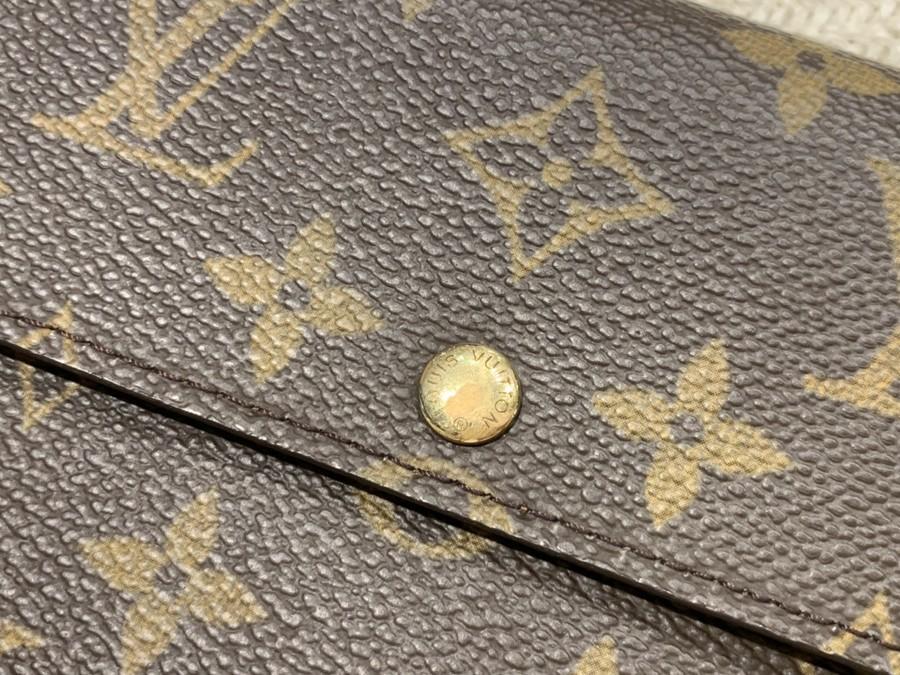 財布のモノグラム