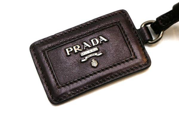 PRADAのフリンジトートバッグとトレンチコートをお買取しました。【古着買取トレファクスタイル千葉店】