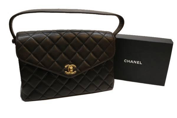 CHANELより定番のマトラッセハンドバッグをお買取しました。