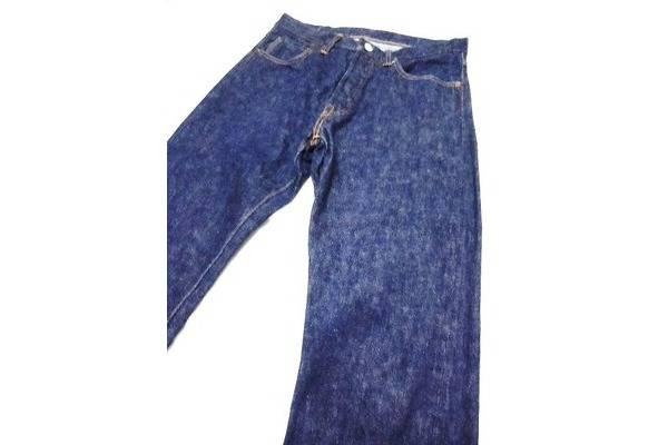 「ウエアハウスのジーンズ 」