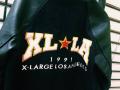 「エクストララージのX-LARGE 」