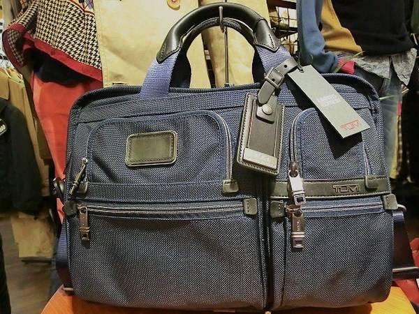 「トゥミのビジネスバッグ 」