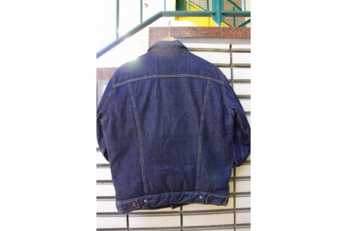 デニムジャケットのLevi's
