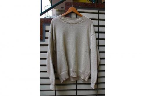 トップスのニット・セーター