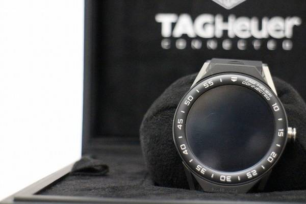[買取速報] TAGHEUER-タグホイヤー connected 45