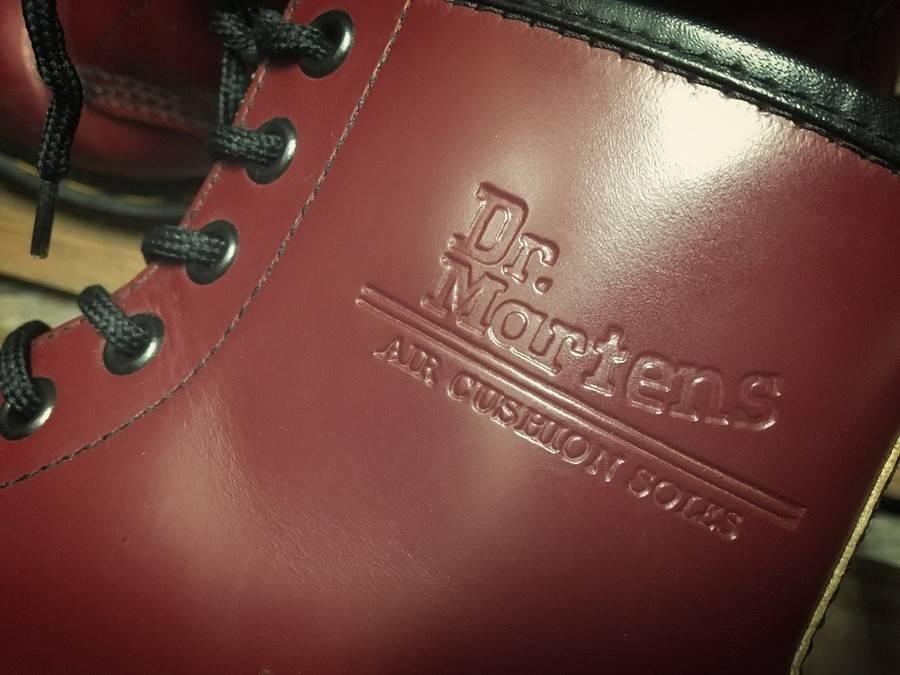 「ブーツのドクターマーチン 」