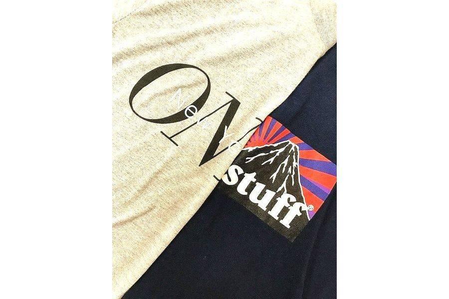 「オンリーニューヨークのTシャツ 」
