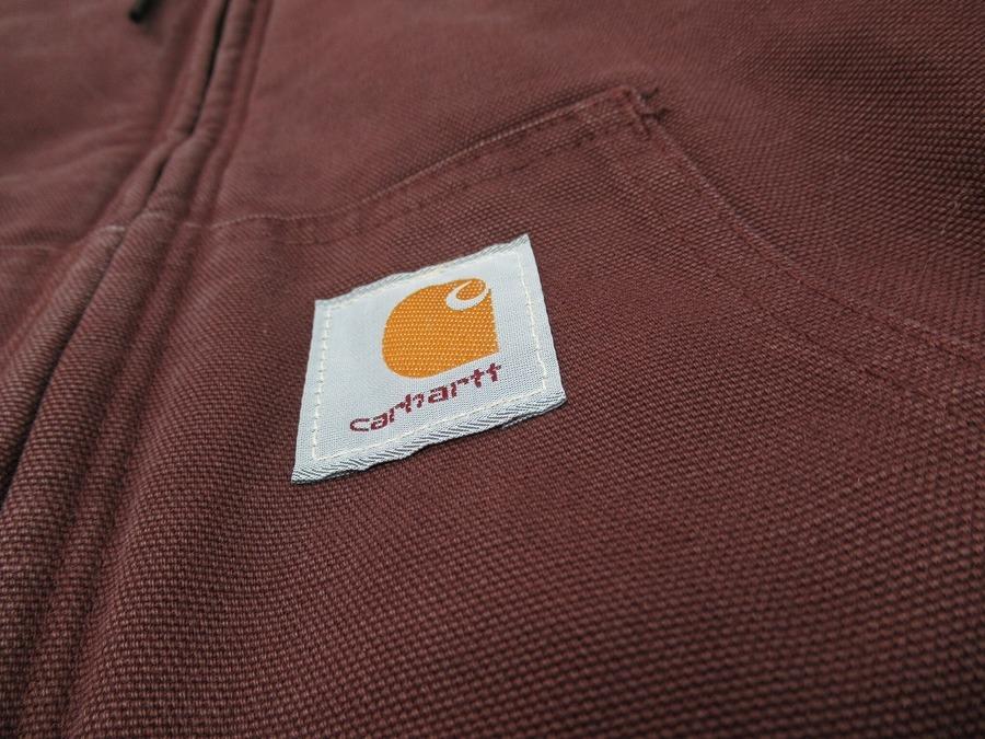 「ワークブランドのCarhartt 」